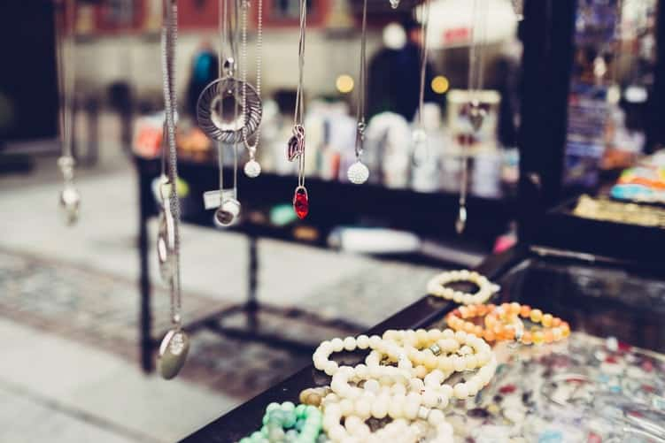 Fast Fashion Accessories: Benefits And Cons